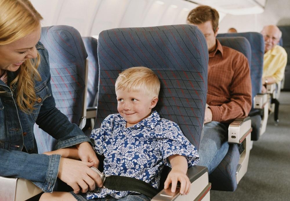 Правила поведения ребенка на борту
